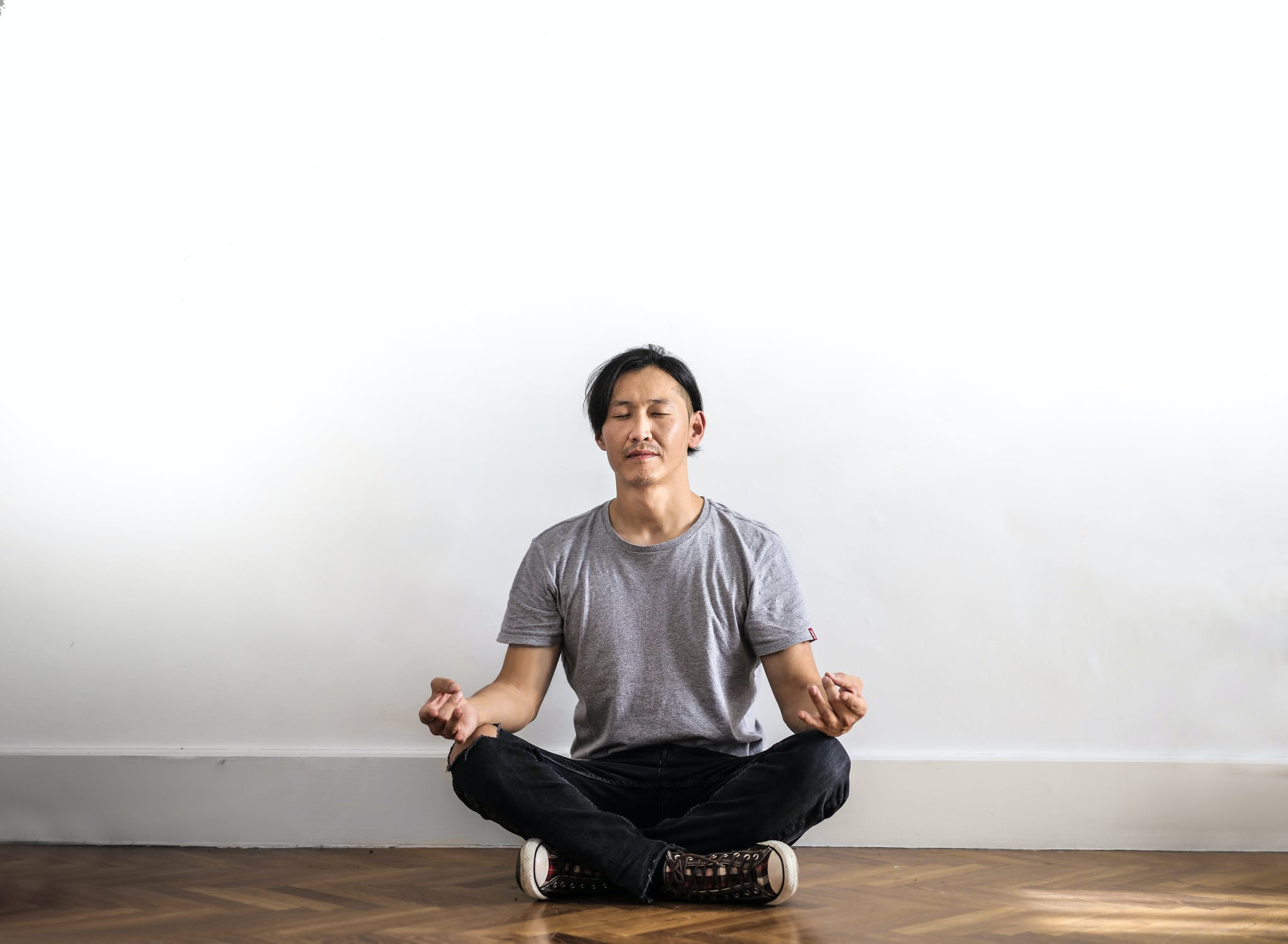 Methods on how to meditate in silence